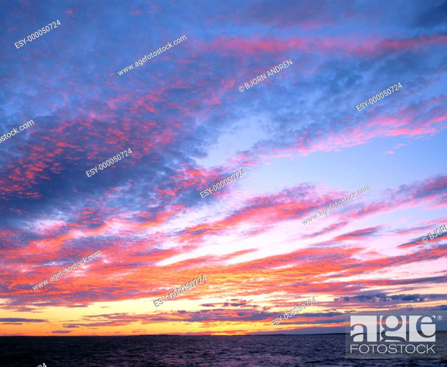 Imagen: Sunset sky.