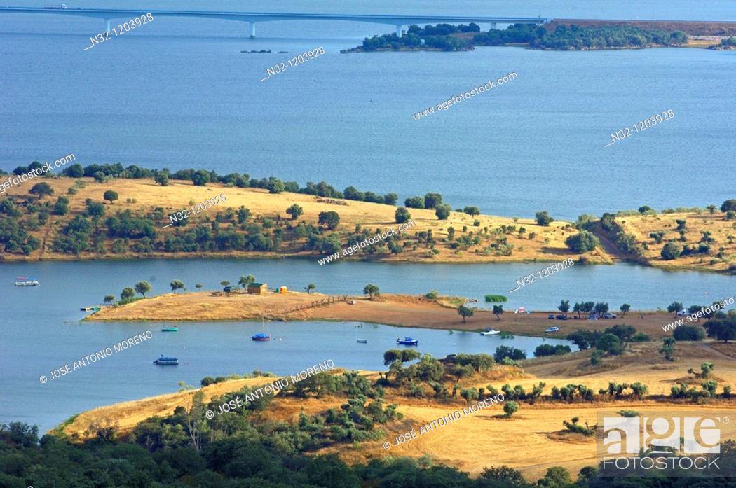 Stock Photo: Landscape and Guadiana river  La Alqueva Reservoir  View from Monsaraz  Evora district  Alentejo  Portugal, Europe.