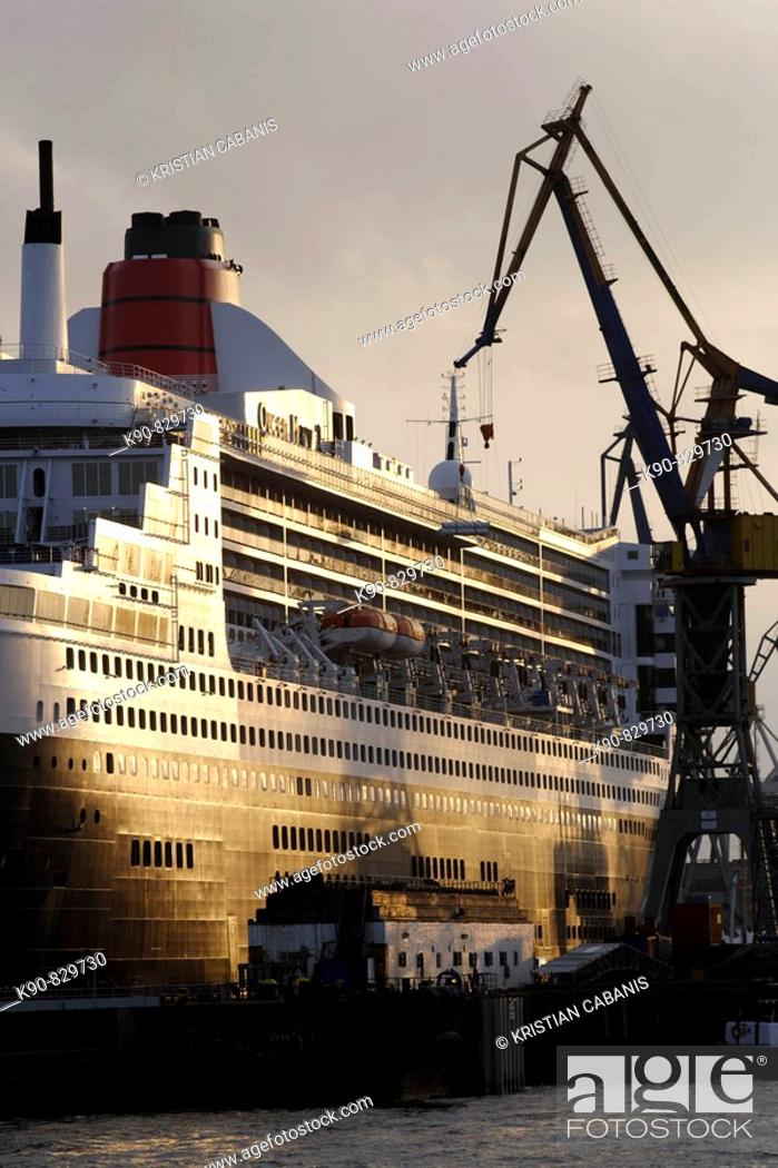 Stock Photo: Queen Mary II laying in the dry dock of a Blohm & Voss shipyard in Hamburg, Germany, Europe.