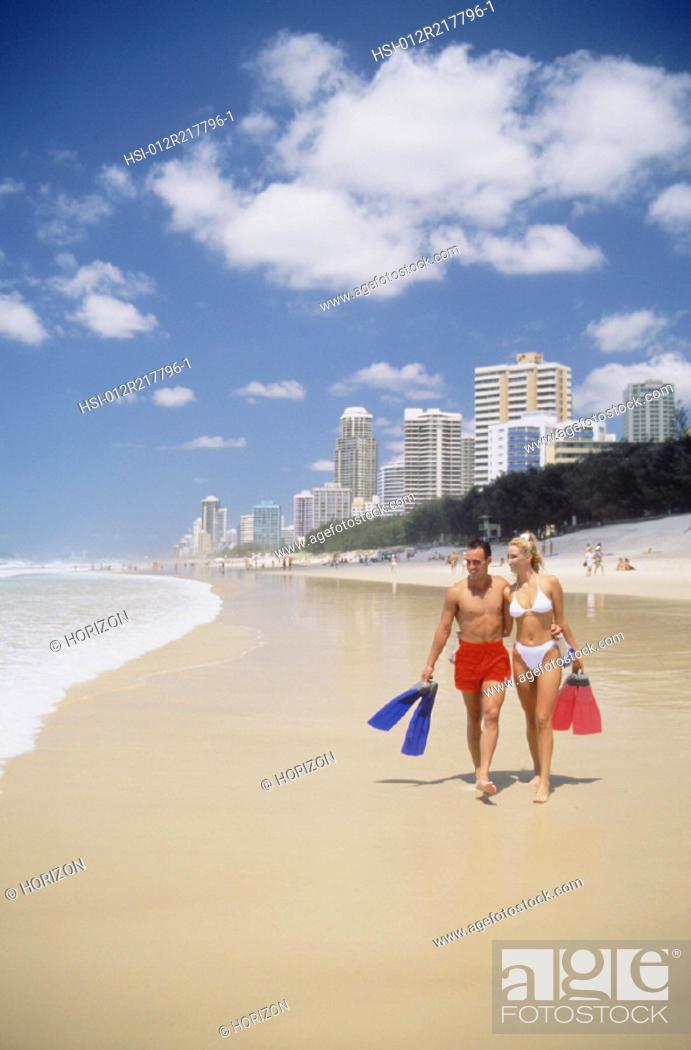 Imagen: Couple, Beach, Swimwear, Australia.
