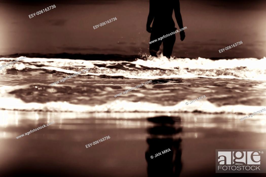 Imagen: Last Forgotten Dream Abstract creative toned digitally altered fine art photo.