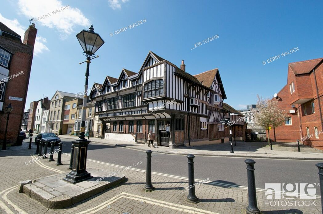 Stock Photo: Tudor House stands on Bugle Street in Southampton, England Buit around 1492, Tudor House is arguably Southampton's most important historic building.