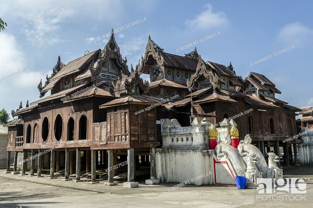 Imagen: Myanmar (ex Birmanie). Nyaung Shwe. Shan state. The Shwe Yan Pyay monastery (Or ''The palace of the mirrors'') designed in wood in 1907 near Inle Lake.