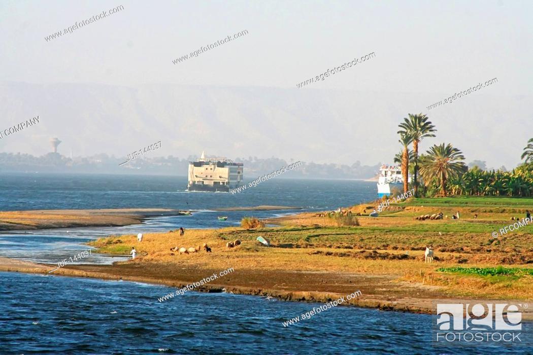 Stock Photo: Egypt: ships on the Nile.
