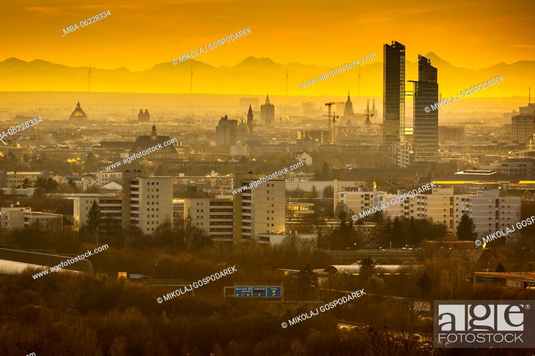 Stock Photo: Europe, Bavaria, Munich, City, City with Alps, Sunset Munich, View from Fröttmaninger Berg, wind power plant Fröttmaning.