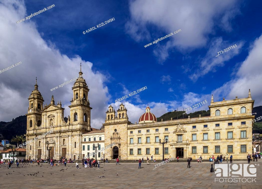 Imagen: Cathedral of Colombia and Tabernacle Chapel, Bolivar Square, Bogota, Capital District, Colombia.