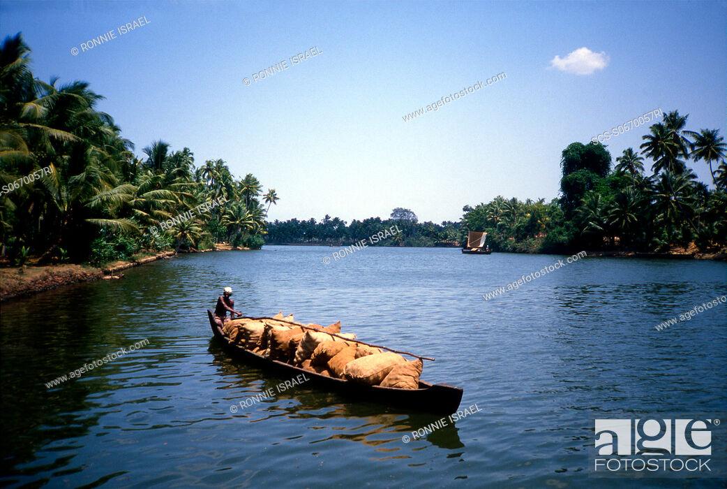 Stock Photo: Kerala boat traffic India.