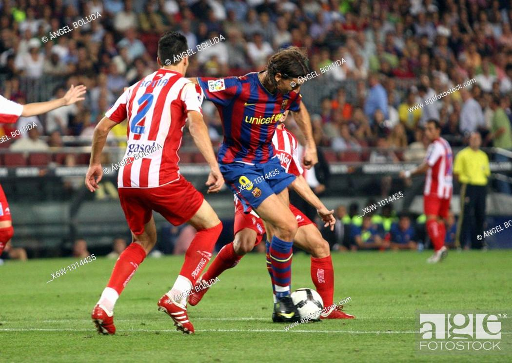 Stock Photo: Barcelona, Camp Nou Stadium, 31/08/2009, Spanish League, FC Barcelona vs. Sporting de Gijón, Zlatan Ibrahimovic and Alberto Botía.