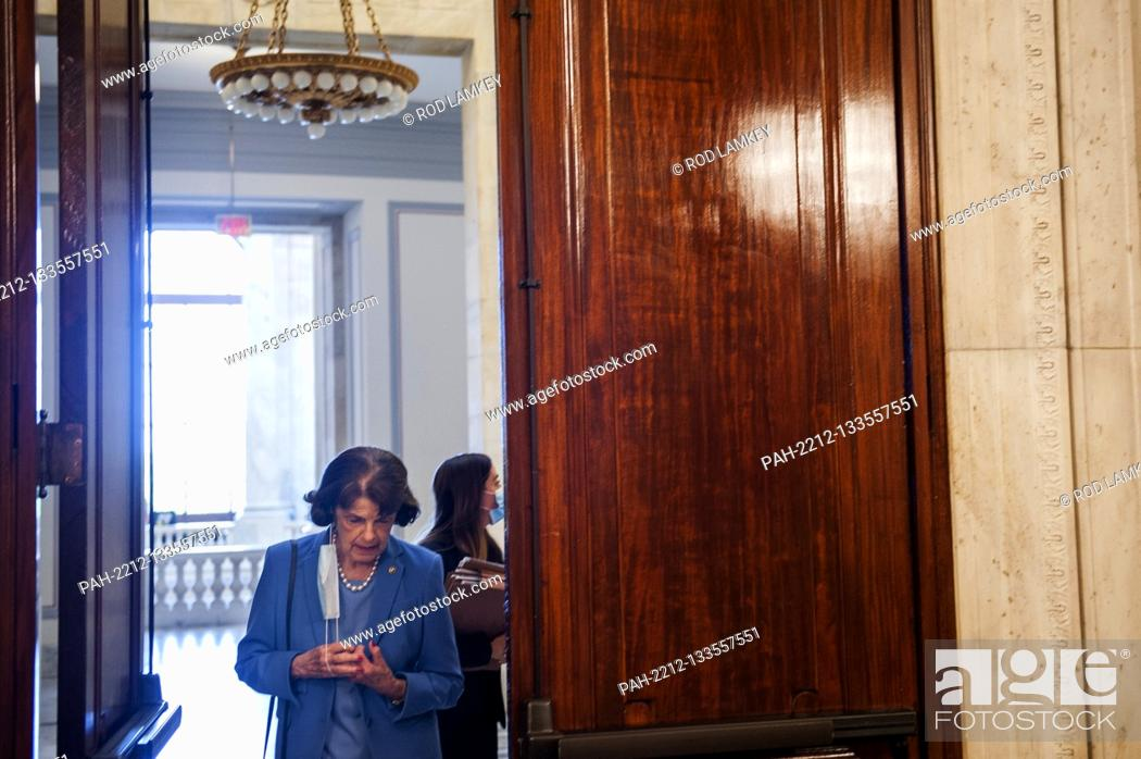 Photo de stock: United States Senator Dianne Feinstein (Democrat of California), Ranking Member, US Senate Judiciary Committee, arrives for the US Senate Judiciary Committee.