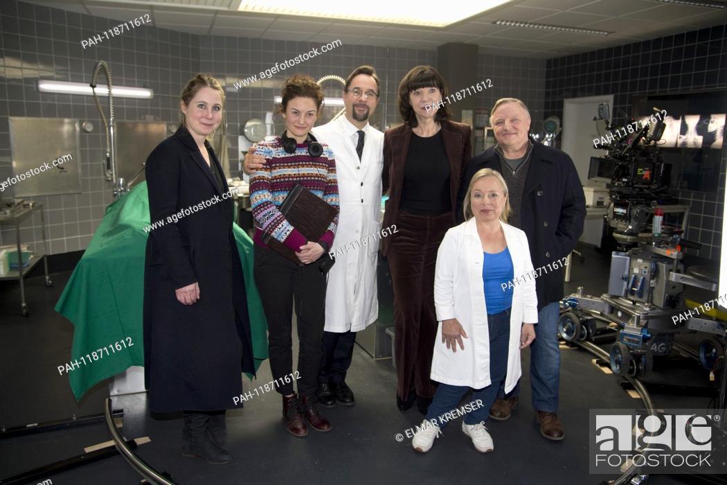 Imagen: from left: Nina KLAMROTH, editor of WDR, director Randa CHAHOUD, actor Jan Josef LIEFERS (plays Professor Karl-Friedrich Boerne) producer Jutta MUELLER, MÃ-ller.