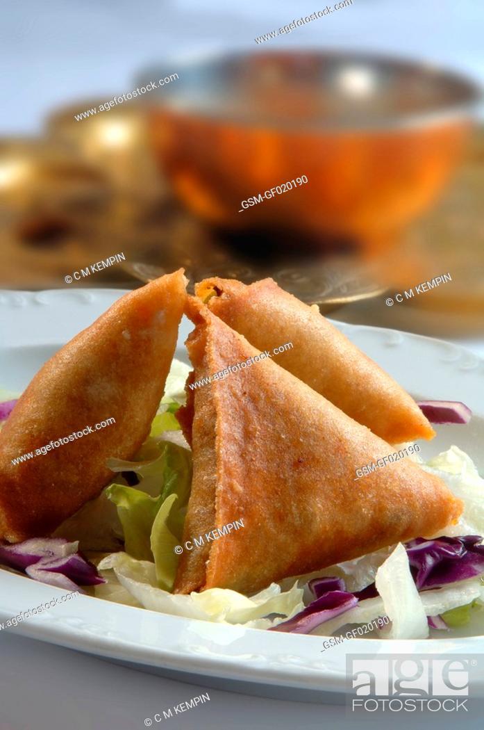 Imagen: Vegetable samosas type of pasty.