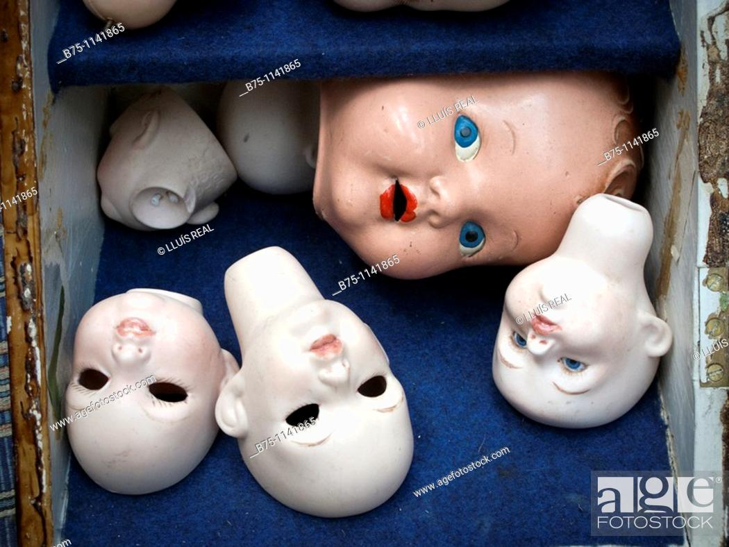 Stock Photo: DollsÂ' heads.