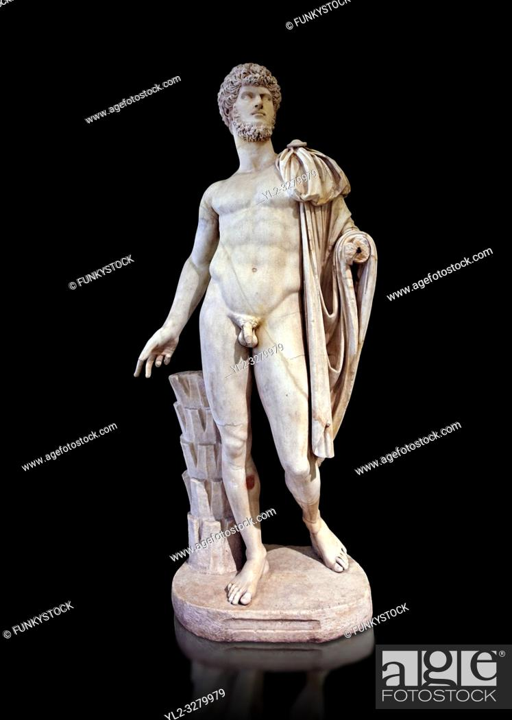 Imagen: Roman marble sculpture bust of Lucius Verus with the body of Diomedes, Cuma Munich Type, 160-170 AD, inv 6095, Naples Museum of Archaeology, Italy.
