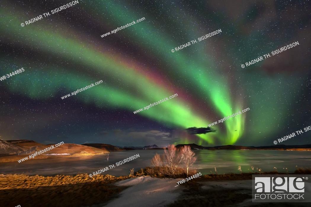 Stock Photo: Aurora Borealis, Lake Myvatn, Iceland.