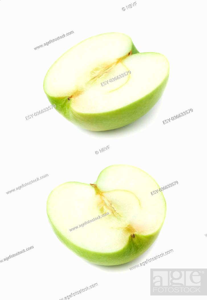 Imagen: Sliced half of a green apple isolated over the white background, set of two different foreshortenings.