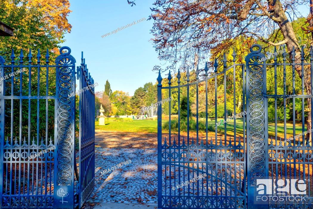 Stock Photo: Inselwallpark, gate, Gaußpark, autumn, leaves coloring, Braunschweig, Lower Saxony, Germany, Europe.
