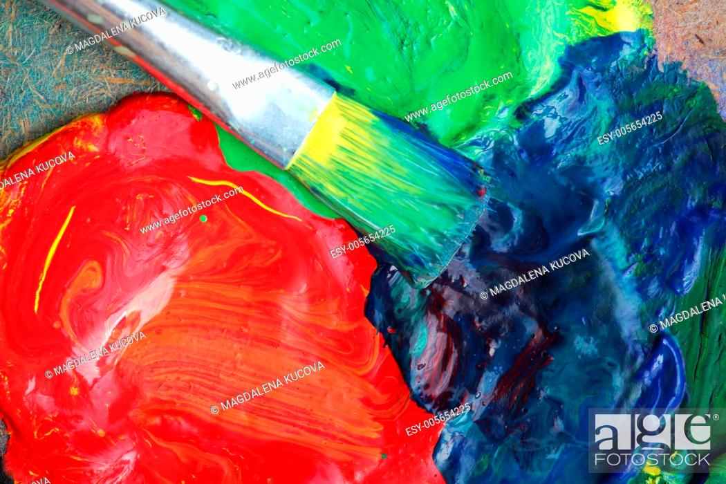 Photo de stock: Close-up of palette with red, green and blue colors.