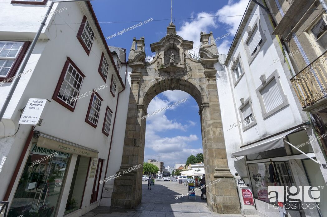 Stock Photo: Portugal, Minho, Braga, Arco da Porta Nova gate.
