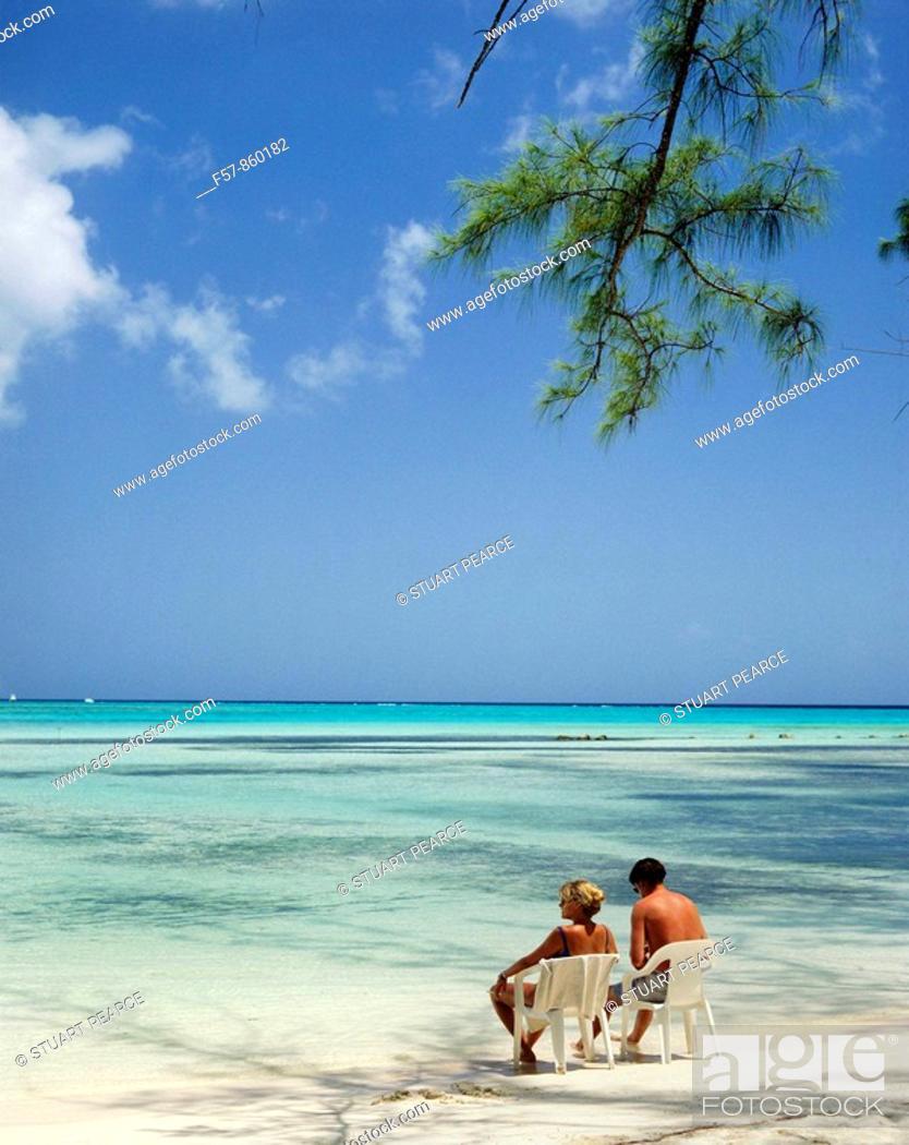 Stock Photo: Seven Mile Beach, Cayman Islands, Caribbean.
