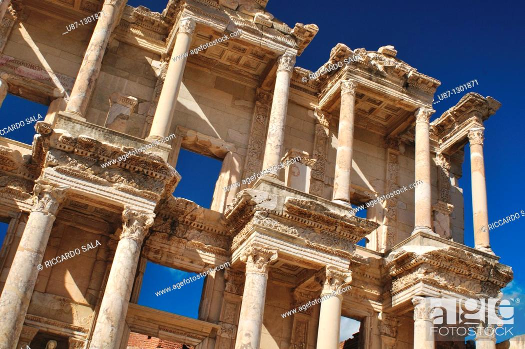 Photo de stock: Turkey, Kusadasi, Ephesus, the Library of Celsus.
