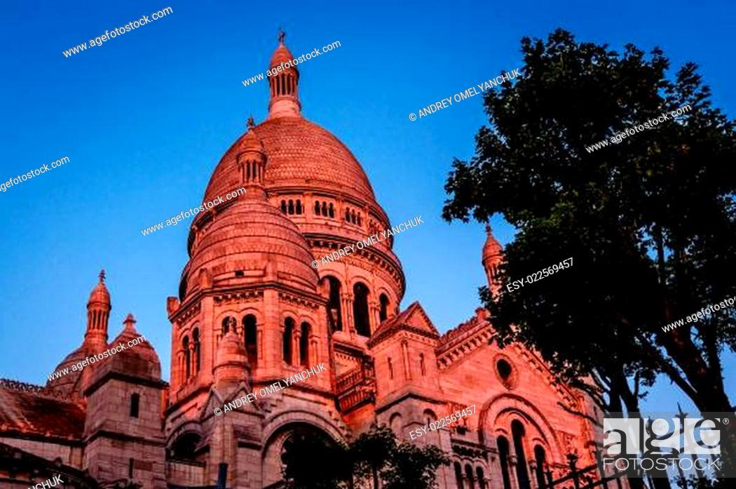 Stock Photo: Sacre Coeur Cathedral on Montmartre Hill at Dusk, Paris, France.