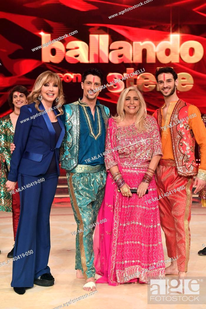 Imagen: Milly Carlucci, Mara Venier with the dancers at the talent show ' Ballando con le stelle ' (Dancing with the stars) Rome, ITALY-14-04-2019.