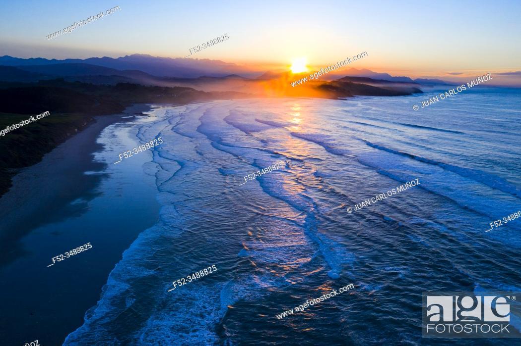 Imagen: Gerra beach, Oyambre Natural Park, San Vicente de la Barquera, Cantabrian Sea, Cantabria, Spain, Europe.