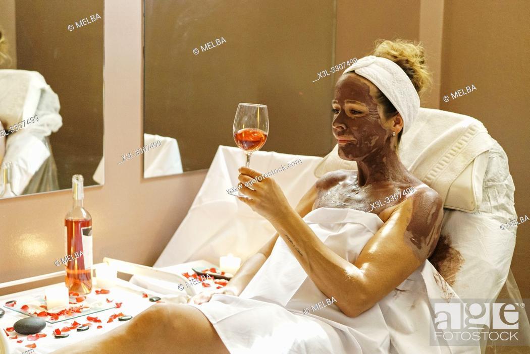 Stock Photo: Wine therapy. Termoludico center of Cascante. Navarre. Spain.