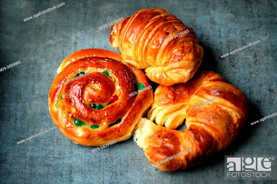 Stock Photo: Croissants and conch bun with fruits.
