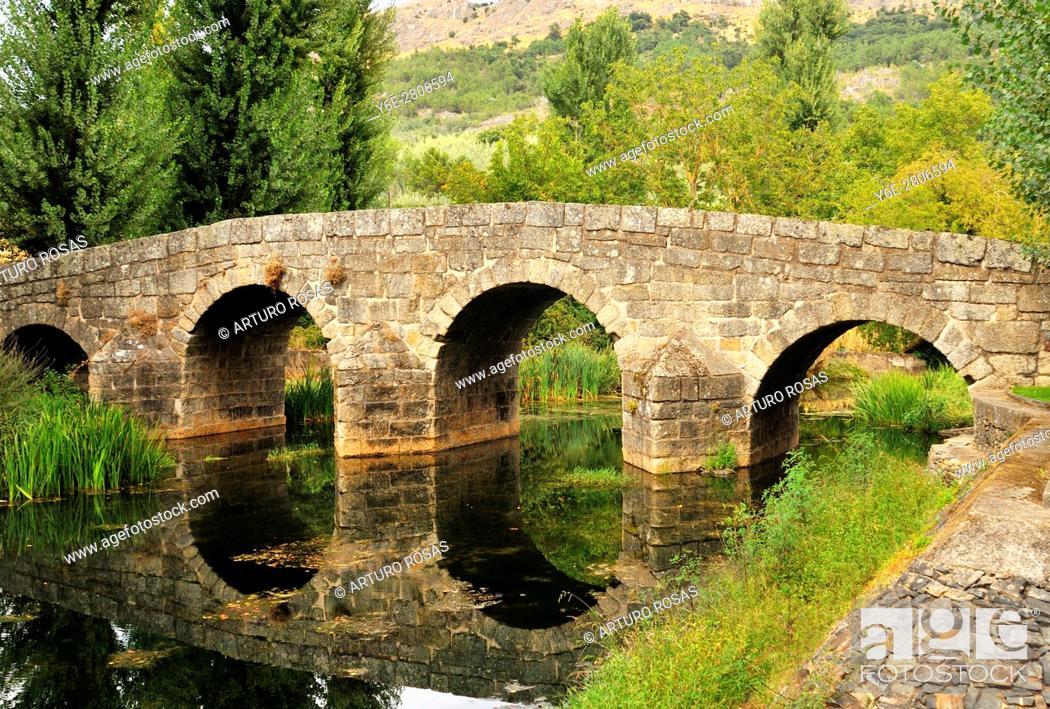 Stock Photo: The roman bridge over the Sever River in Portagem, Alentejo, Portugal.