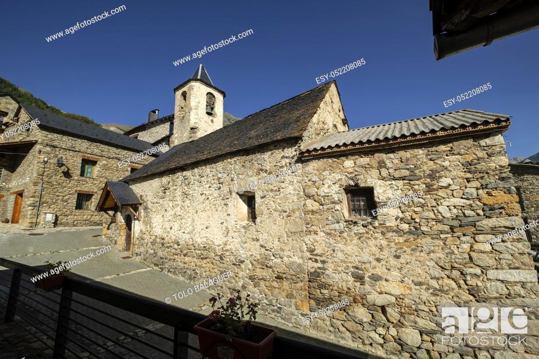 Imagen: Iglesia parroquial del siglo XVIII, Aneto , municipio de Montanuy, Ribagorza, provincia de Huesca, Aragón, cordillera de los Pirineos, Spain.