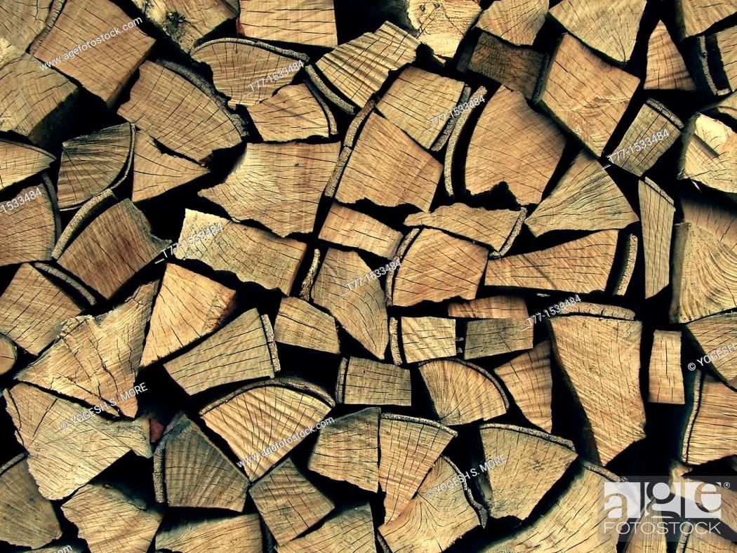 Imagen: Stack of Chopped Firewood.