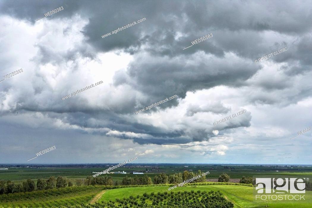 Stock Photo: Storm clouds near Bakersfield, California. USA.