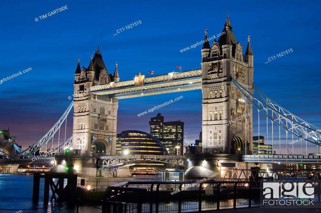 Stock Photo: tower bridge, london, england, uk, europe.