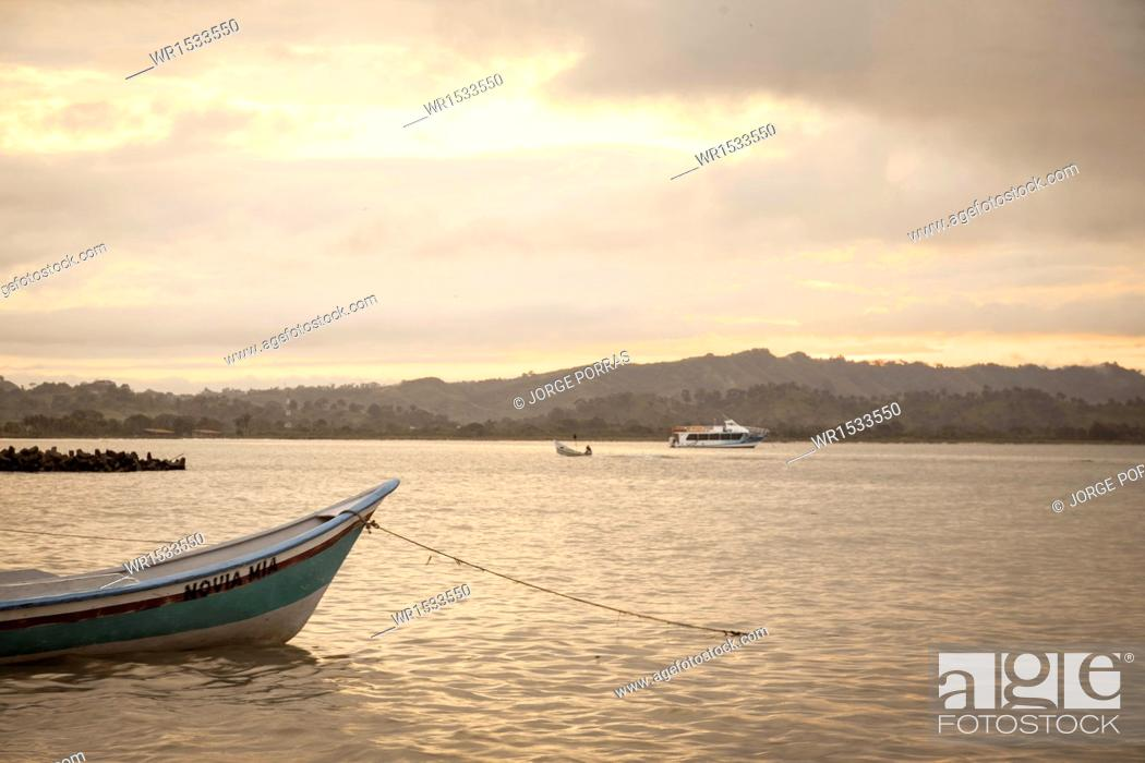 Imagen: Boats in the Sea, Necocli, Uraba, Antioquia, Colombia.