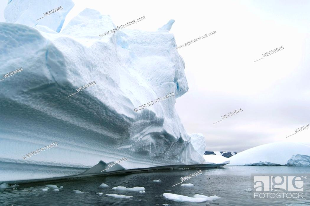 Stock Photo: Antarctica, Antarctic Peninsula, Lemaire Channel, Icebergs near Pleneau Island.