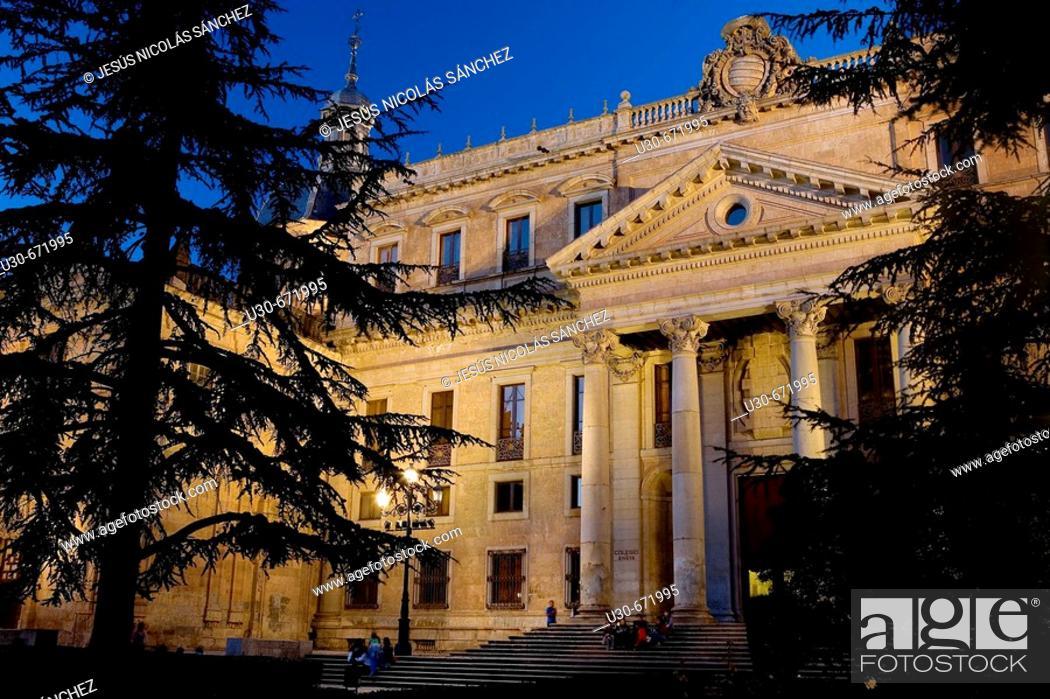 Imagen: Neoclassical Palacio de Anaya (built in the 18th century), Salamanca. Castilla-León, Spain.