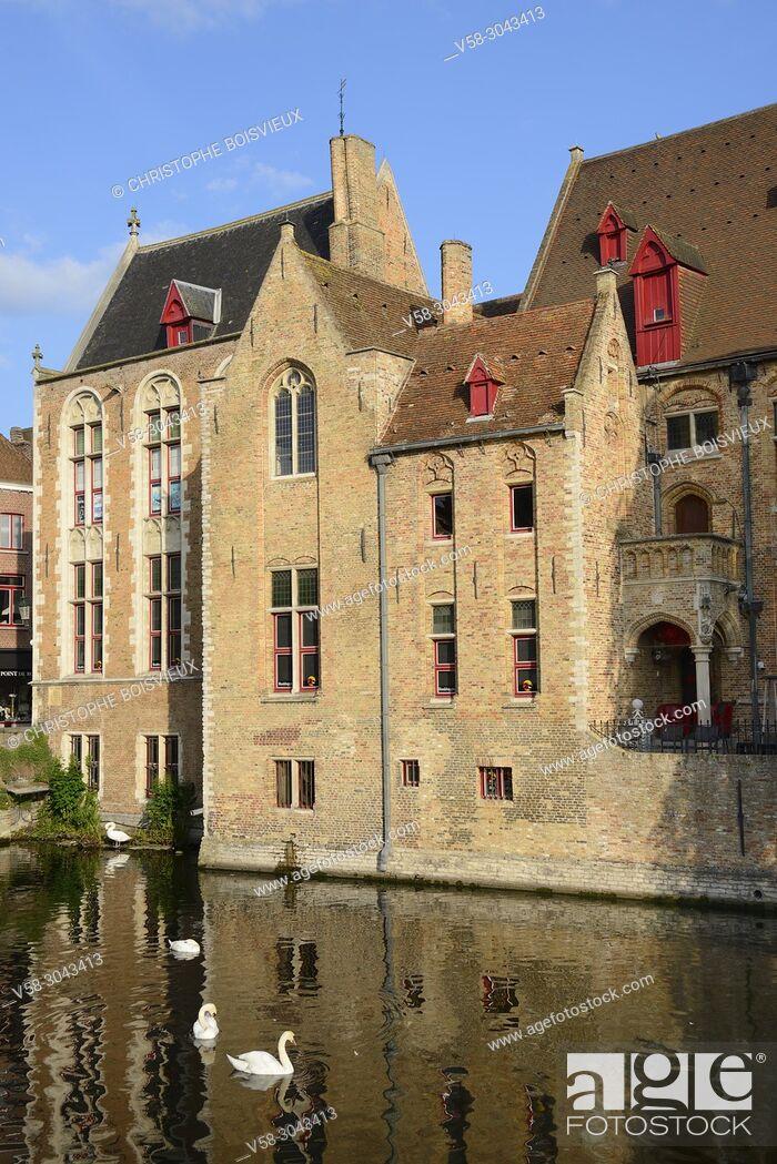 Stock Photo: Belgium, Bruges, World Heritage Site, Rozenhoedkaai (Rosary quay) .
