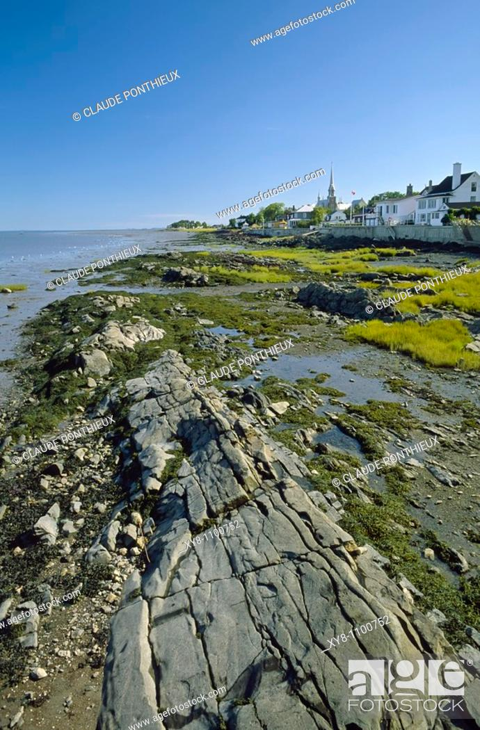 Stock Photo: Low-tide-and-Village, Kamouraska, Québec, Canada.