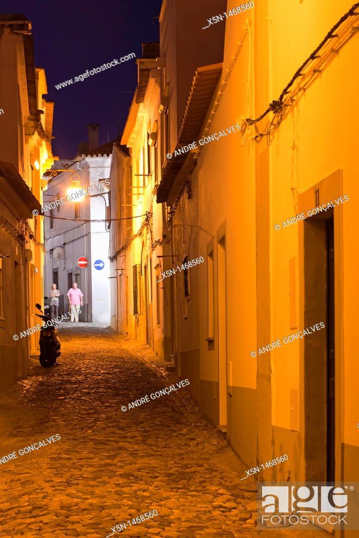 Stock Photo: Streets of Evora, Alentejo Portugal, Europe.