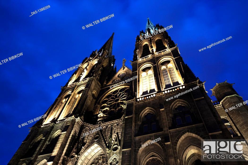 Stock Photo: France, Puy-de-Dome Department, Auvergne Region, Clermont-Ferrand, Cathedrale-Notre-Dame, exterior, evening.