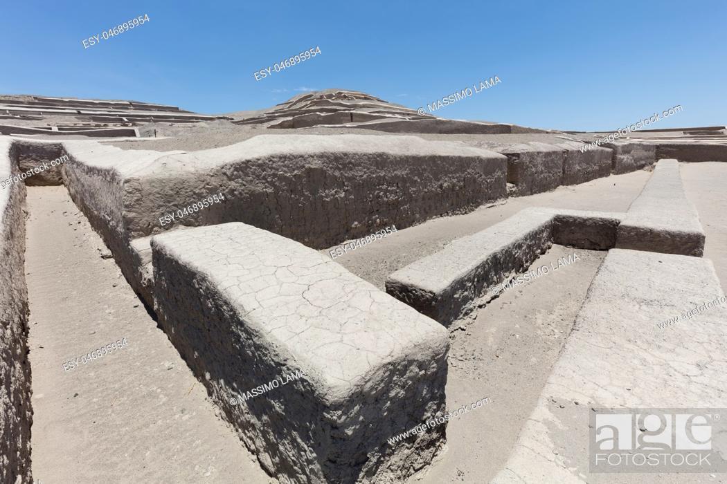 Imagen: Pyramid of Cauachi, archaeological site In the Nazca region, Peru.