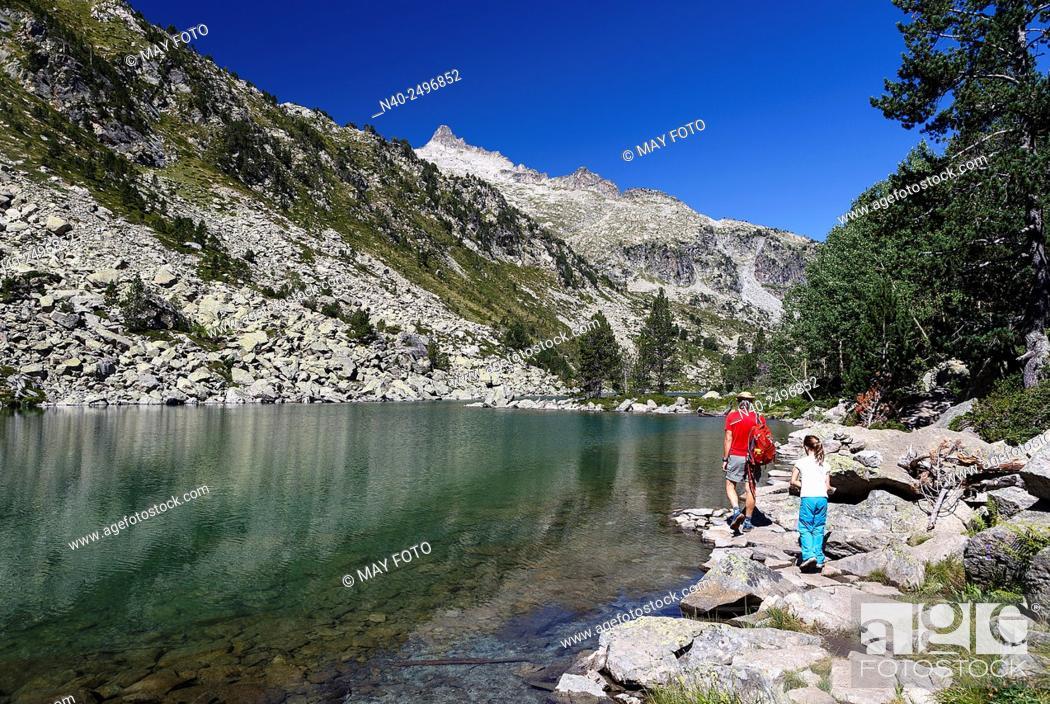Imagen: Les Laquettes lake, Néouvielle Reserve, France.