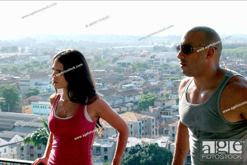 Imagen: Jordana Brewster & Vin Diesel Characters: Mia Toretto, Dominic Toretto Film: Fast Five; Fast & Furious 5 (USA 2011) Director: Justin Lin 15 April 2011.