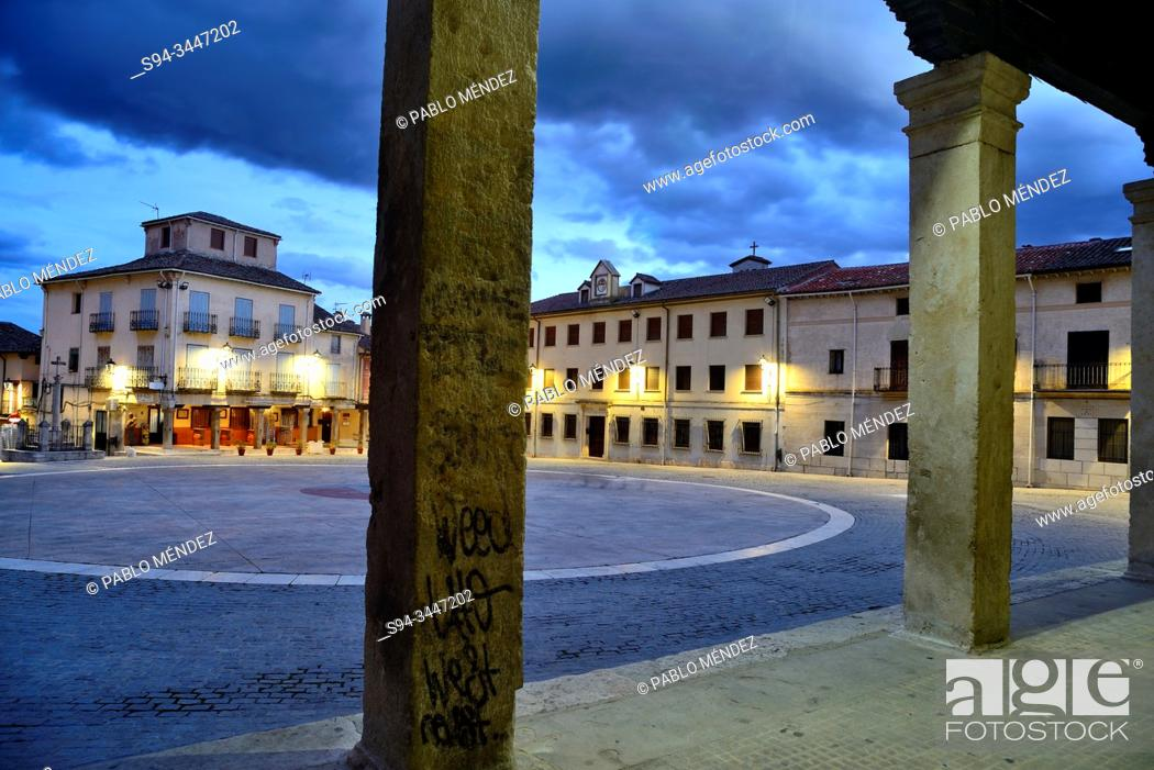 Photo de stock: Main square of Torrelaguna, Madrid, Spain.
