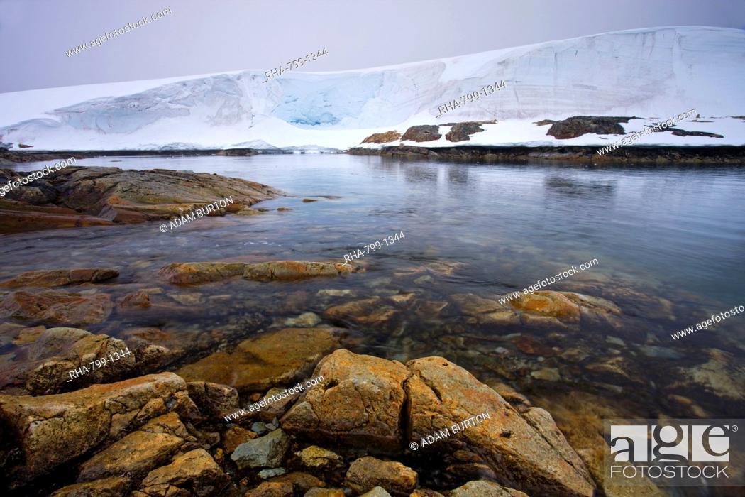Imagen: Thick ice sheet on White Island, Argentine Islands, Antarctic Peninsula, Antarctica, Polar Regions.