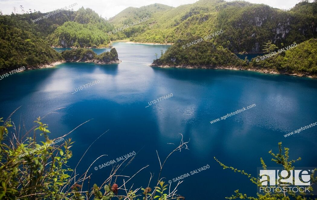 Stock Photo: Lagunas de Montebello National Park, Chiapas, Mexico.
