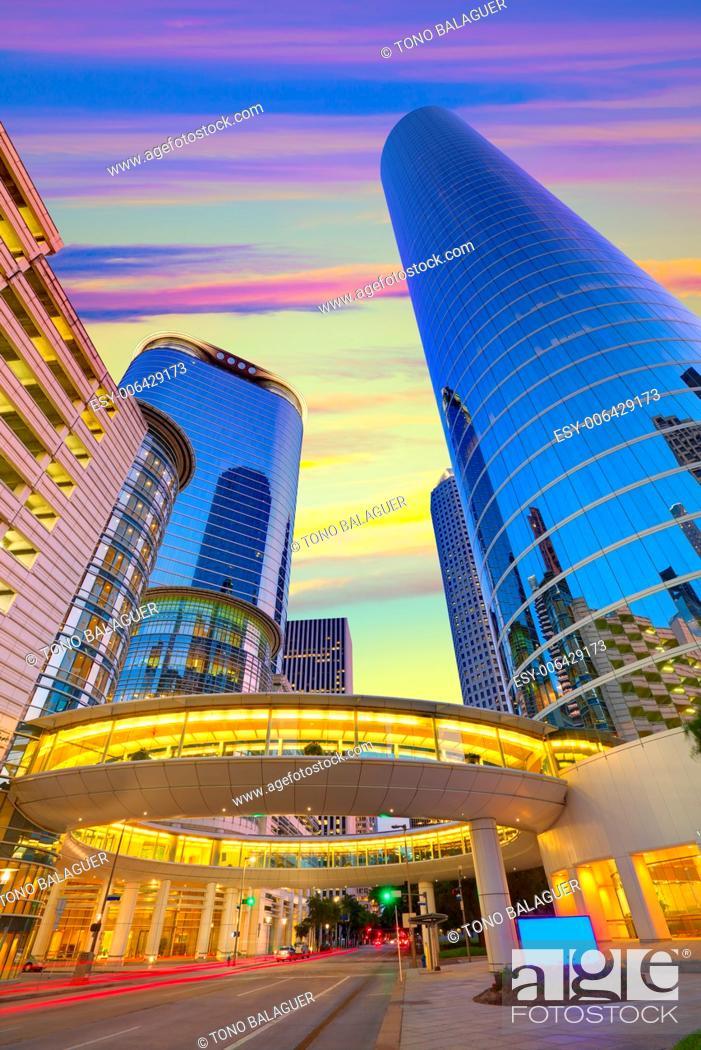 Photo de stock: Houston Downtown sunset modern skyscrapers at Texas US USA.