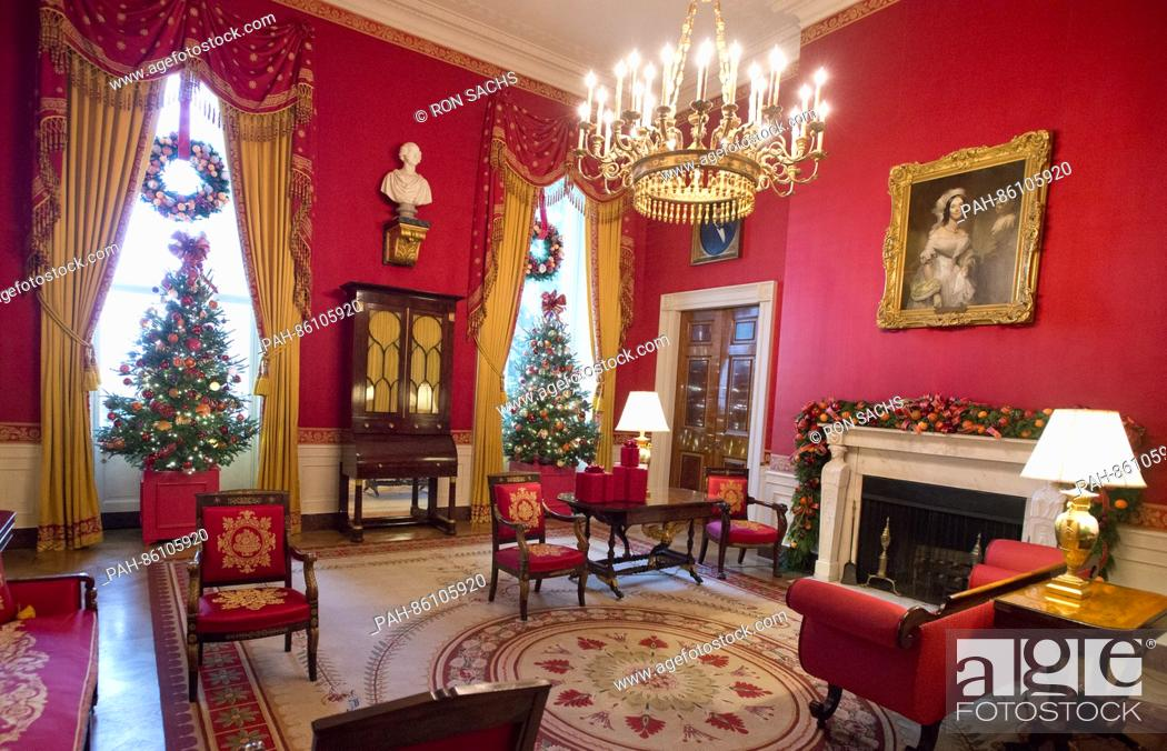 stock photo the 2016 white house christmas decorations are previewed for the press at the