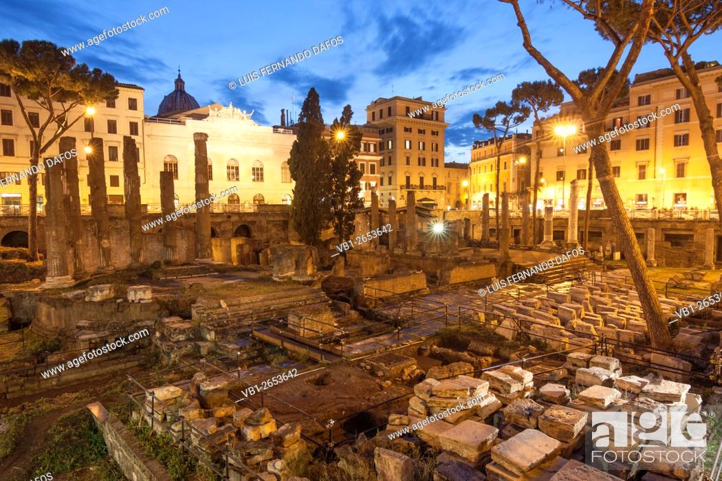 Imagen: Temple B, dedicated to Fortuna Huiusce Diei. Ancient Rome remains at Largo di Torre Argentina, Rome, Italy.